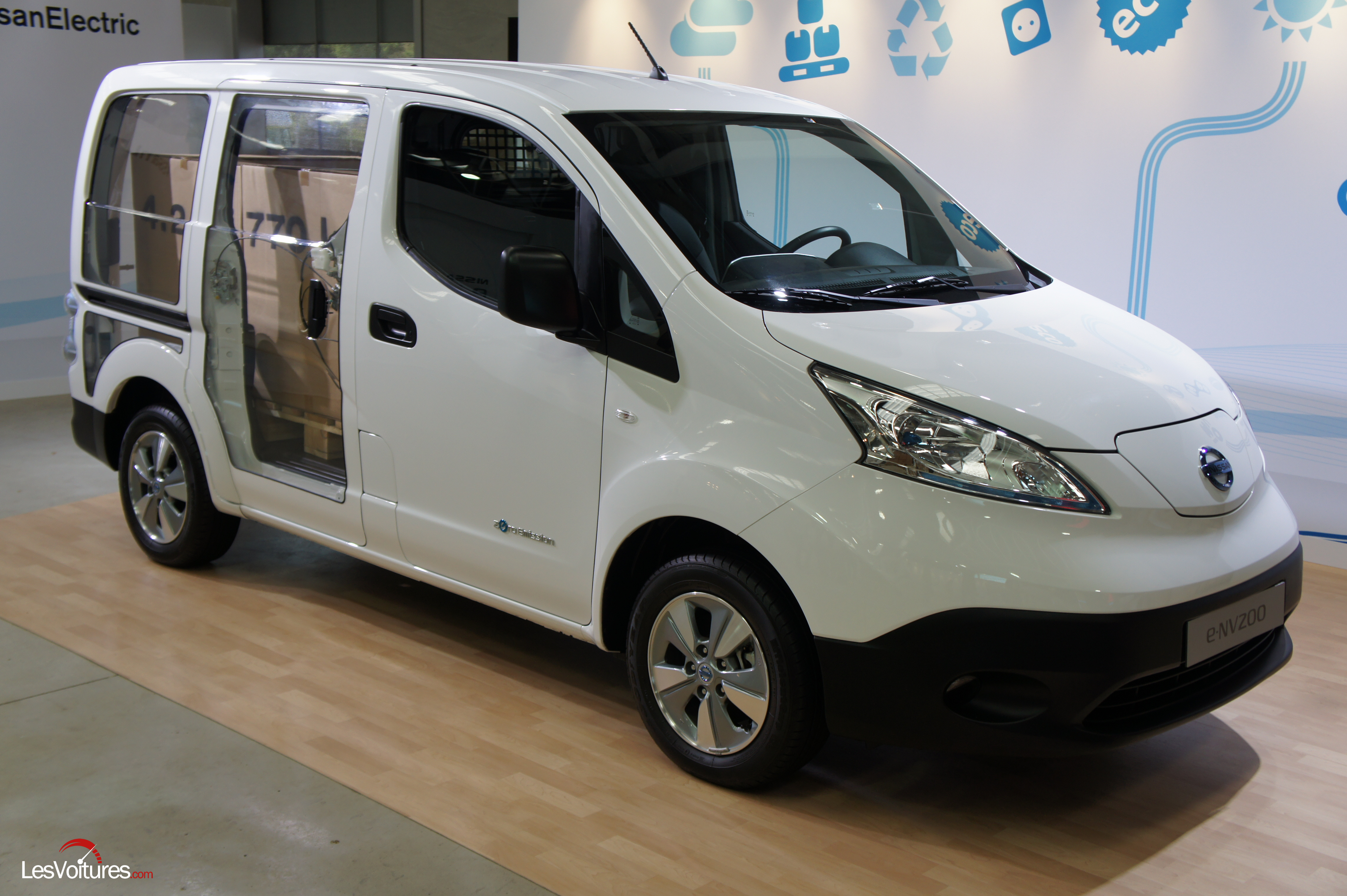 nissan e nv200 evalia essai fourgon ludospace les voitures. Black Bedroom Furniture Sets. Home Design Ideas