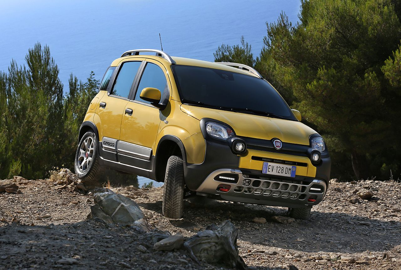 fiat panda cross double personnalit 4 4 et citadine les voitures. Black Bedroom Furniture Sets. Home Design Ideas