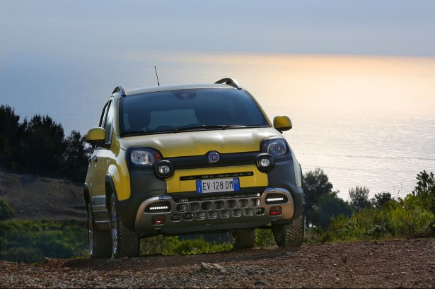 fiat panda cross double personnalit 4x4 et citadine les voitures. Black Bedroom Furniture Sets. Home Design Ideas