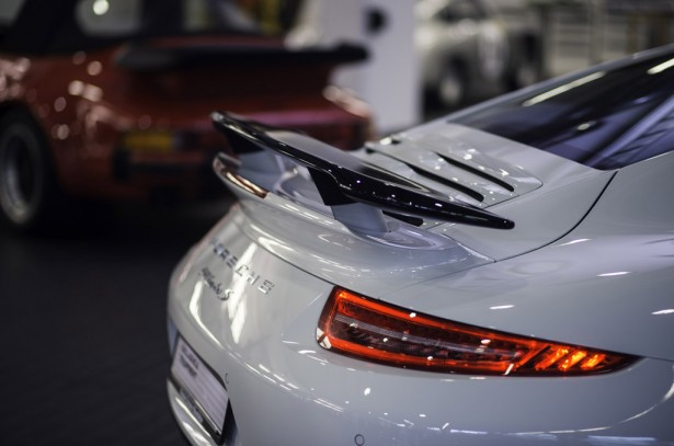 porsche-911-turbo-s-exclusive-gb-edition-2014-3