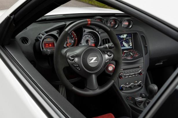Nissan-370Z-Nismo-2014-17