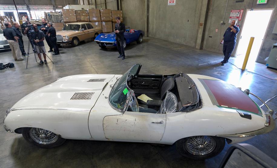 Jaguar Type E : un exemplaire volé en 1968 restitué à son propriétaire...
