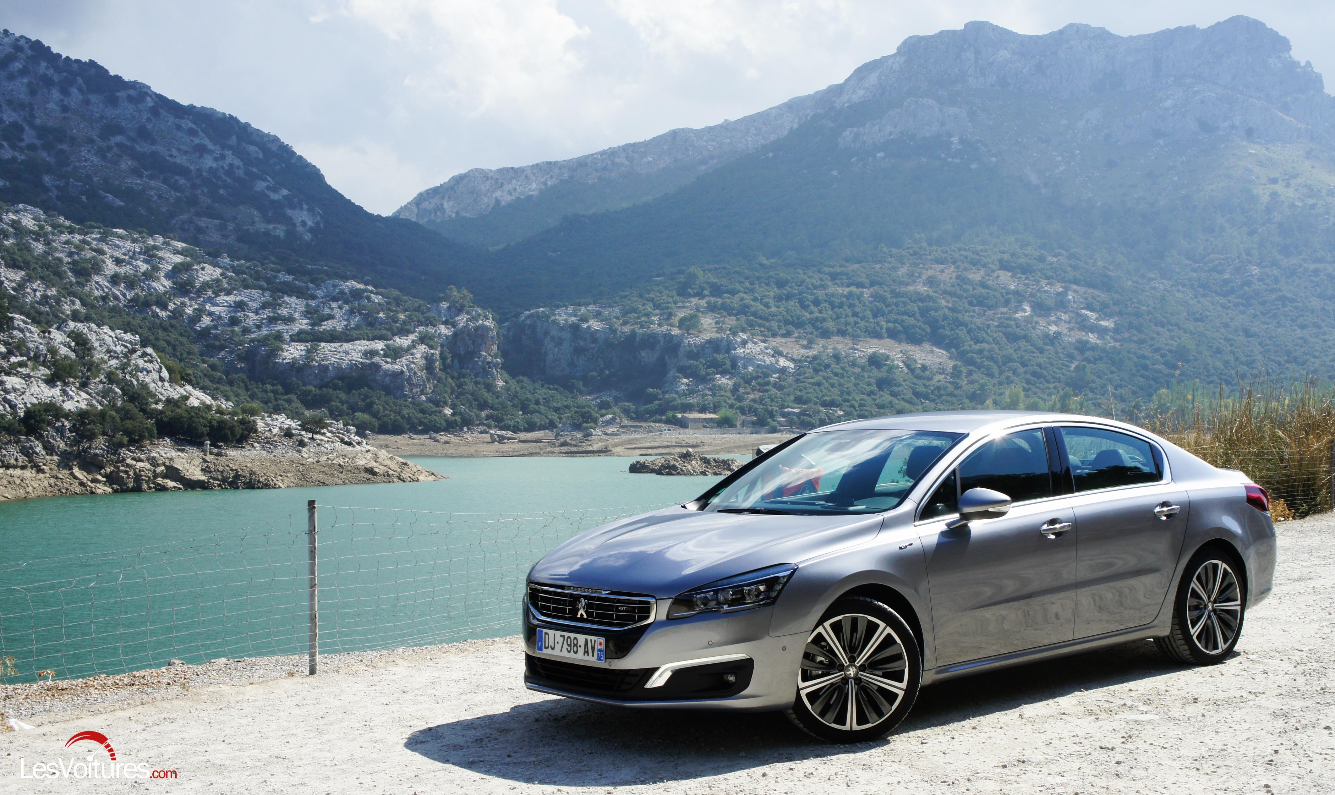 Peugeot 508 : double essai de la routière forte en caractère !