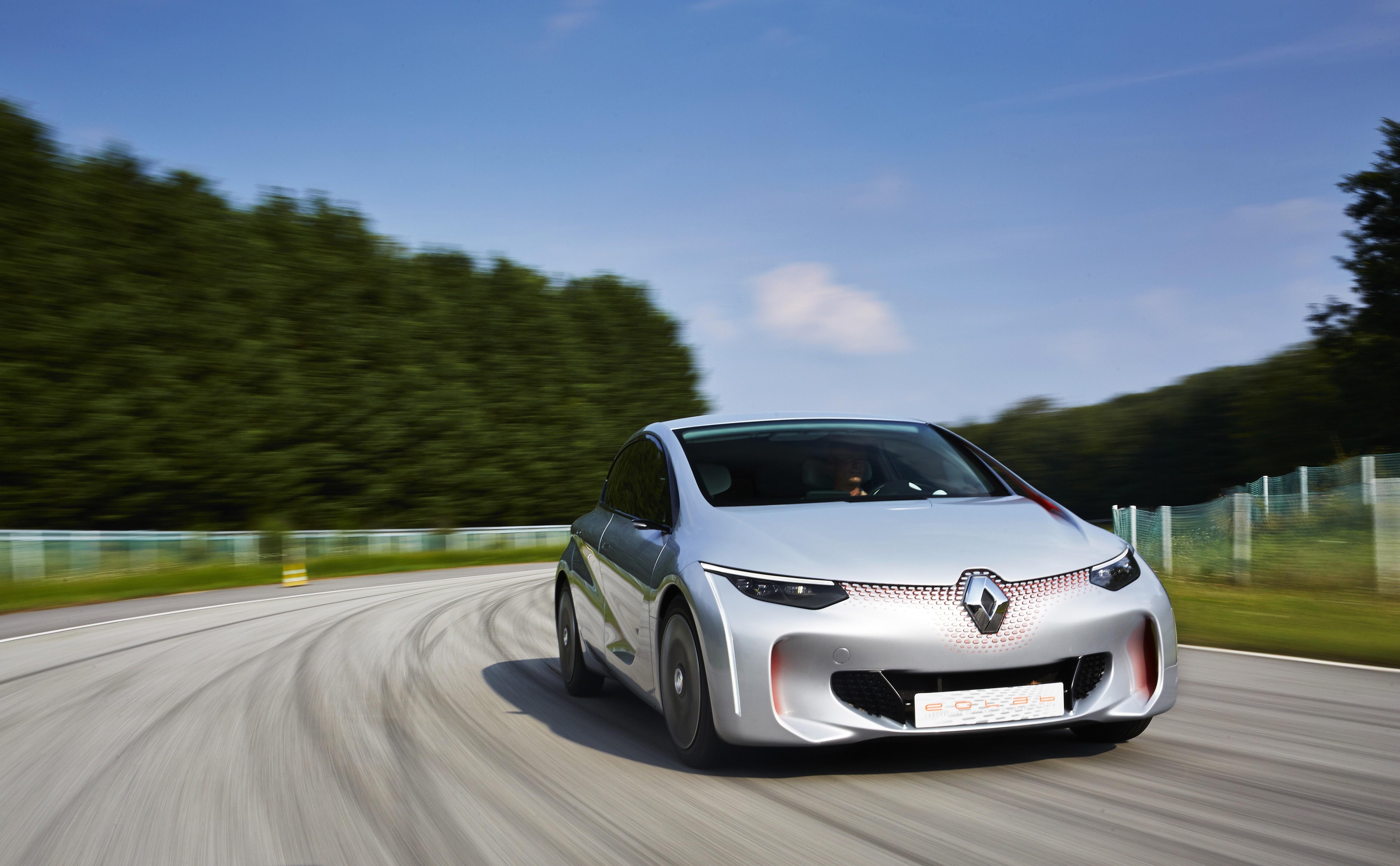 Renault EOLAB : 1 l/100 km pour le prototype hybride !
