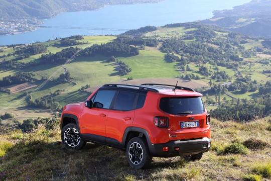 nouveau-Jeep-Renegade-2014-3