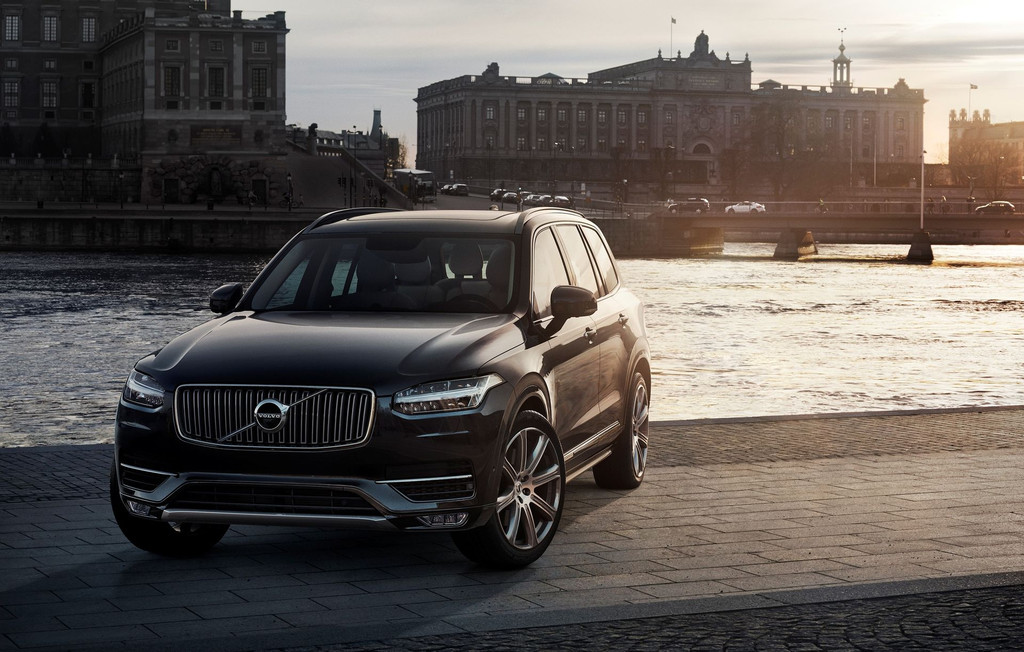 volvo xc90 plus qu un bond en avant pour la nouvelle g n ration du suv premium les voitures. Black Bedroom Furniture Sets. Home Design Ideas