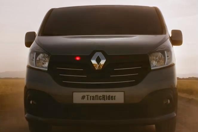 Vidéo : le nouveau Renault Traffic se la joue K2000 !
