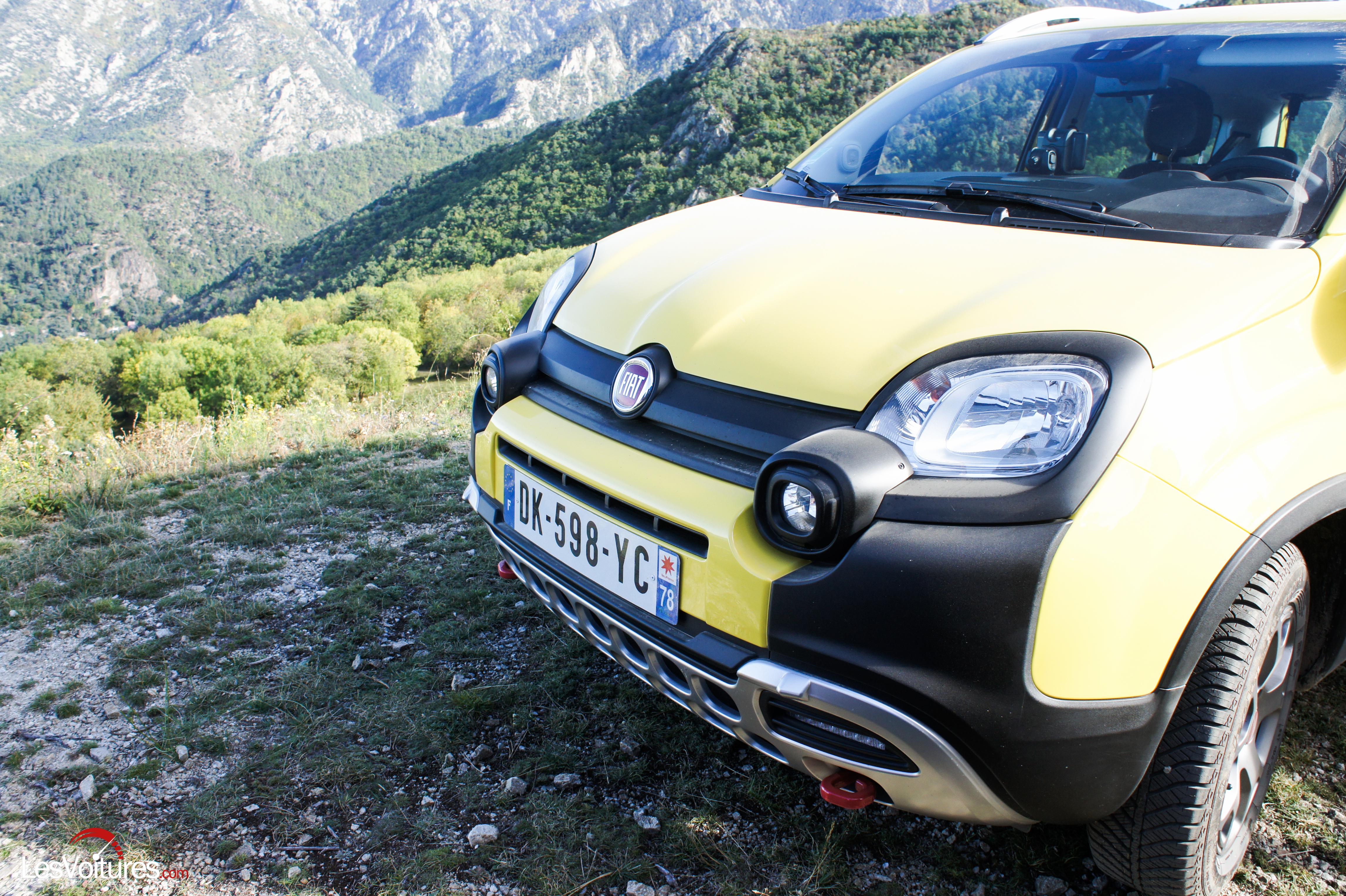 Fiat panda 4 4 cross 11 les voitures for 4x4 dans la boue