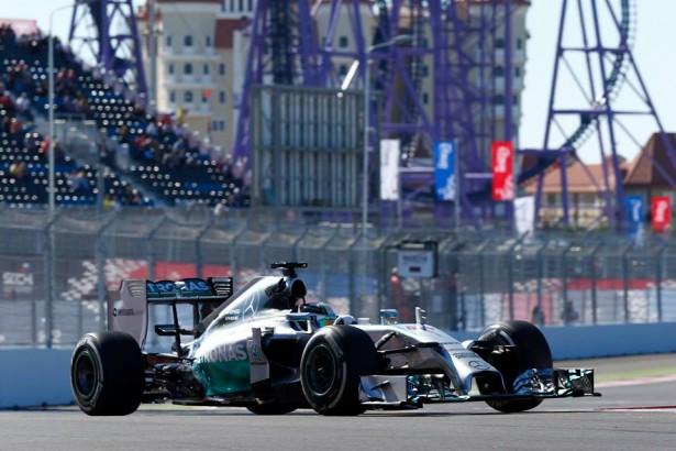 Lewis-Hamilton-Russia-GP-2014
