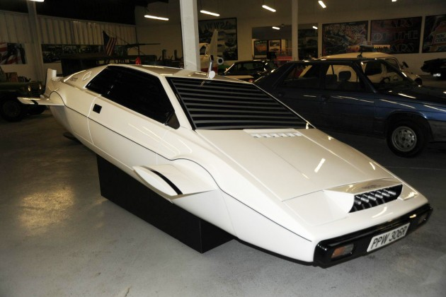Lotus Esprit : la version de James Bond en vente sur eBay