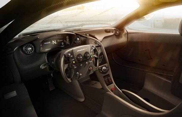 McLaren-P1-GTR-2015-interior-2