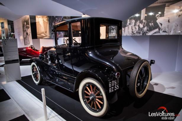 Mondial-Automobile-2014-exposition-mode-et-automobile-Ford-T