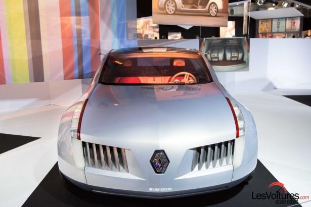 Mondial-Automobile-2014-exposition-mode-et-automobile-Renault