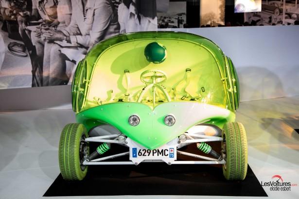 Mondial-Automobile-2014-exposition-mode-et-automobile-courreges-pixi