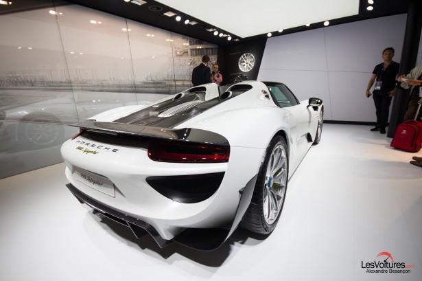 Porsche-918-Spyder-2014-Paris
