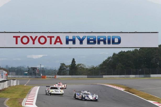 anthony-davidson-toyota-ts040-Hybrid-Fuji-2014-Porsche