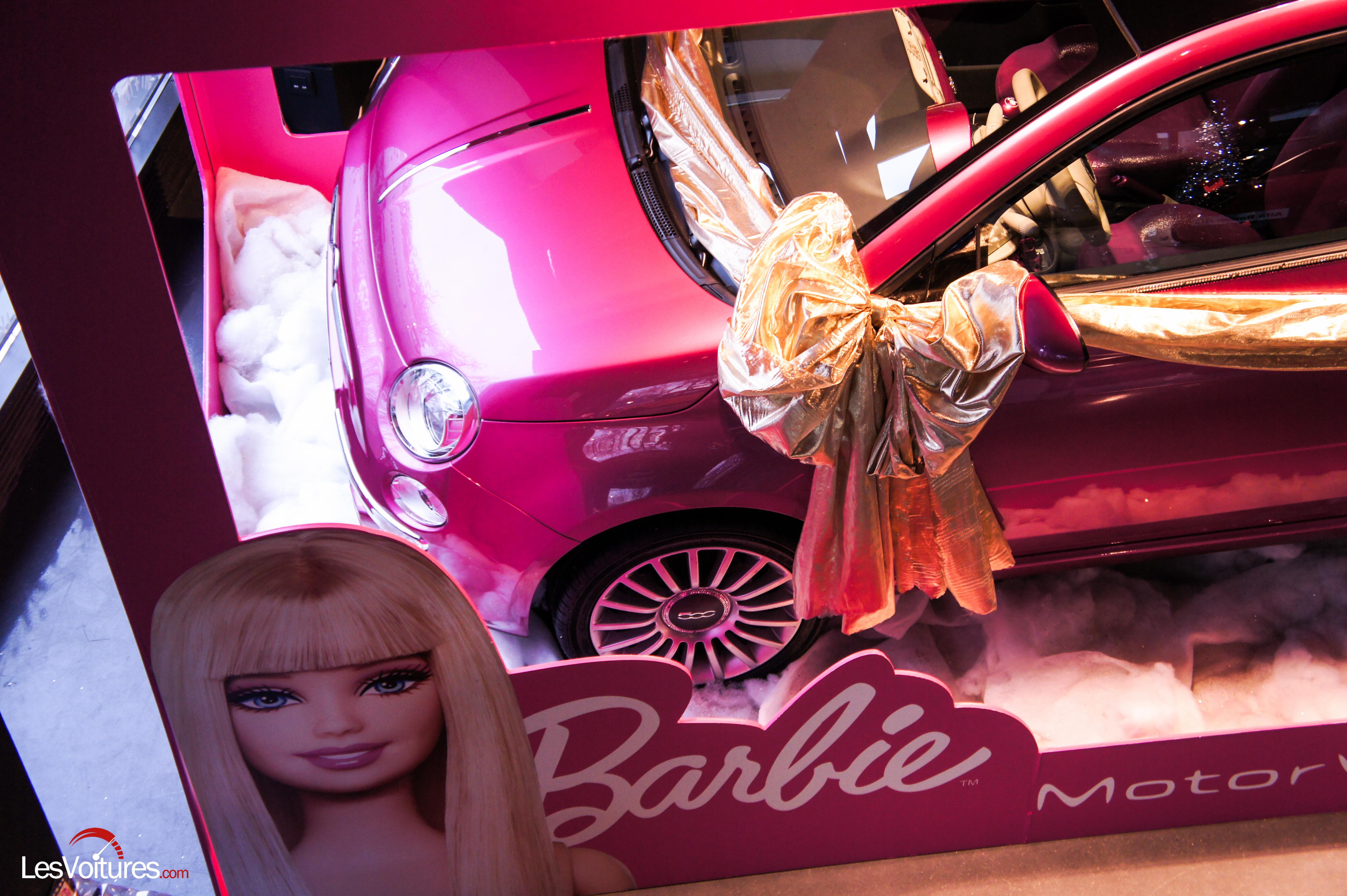 Fiat 500 Barbie : Le père Noël pour les femmes !