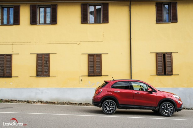fiat 500x l italienne passe en mode baroudeuse urbaine les voitures. Black Bedroom Furniture Sets. Home Design Ideas