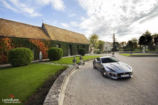 Jaguar-f-type-r-coupe-10