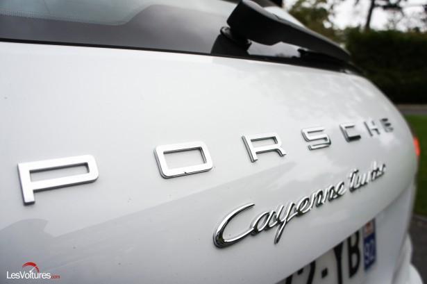 Porsche-Cayenne-Turbo-S-2015-3