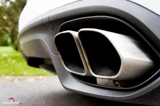 Porsche-Cayenne-Turbo-S-2015-8