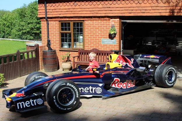 F1: insolite, achetez la Red Bull RB3 de Mark Webber (2007)