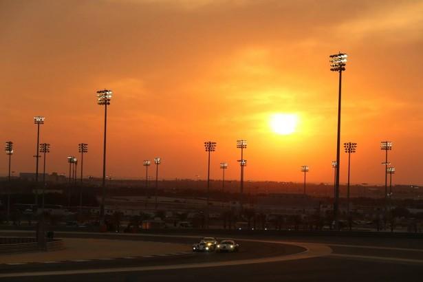 Toyota-TS040-HYBRID-Bahrein-2014-wec-2014-44