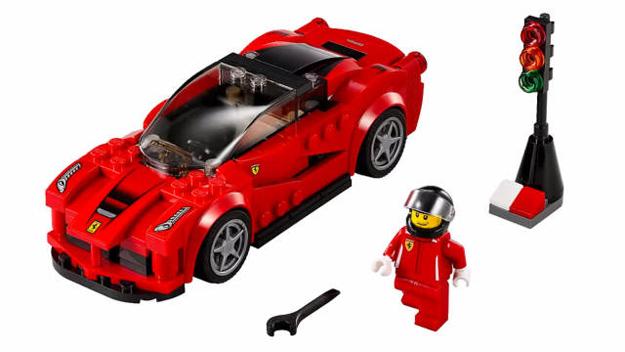 Lego : les LaFerrari, P1, 918 Spyder à construire en 2015