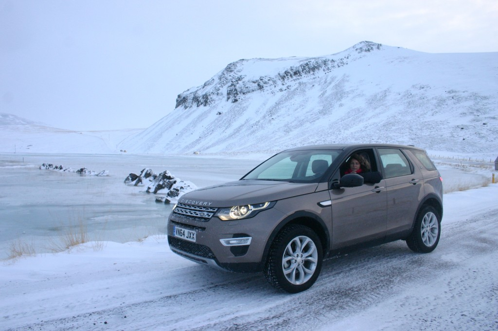 land rover discovery sport charlotte au volant en islande les voitures. Black Bedroom Furniture Sets. Home Design Ideas