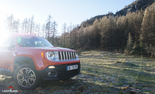 Jeep-Renegade-24