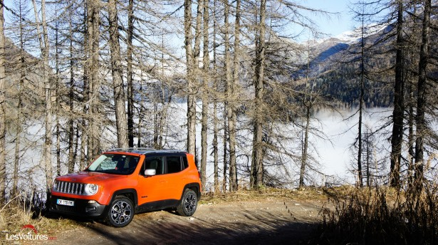 Jeep-Renegade-25