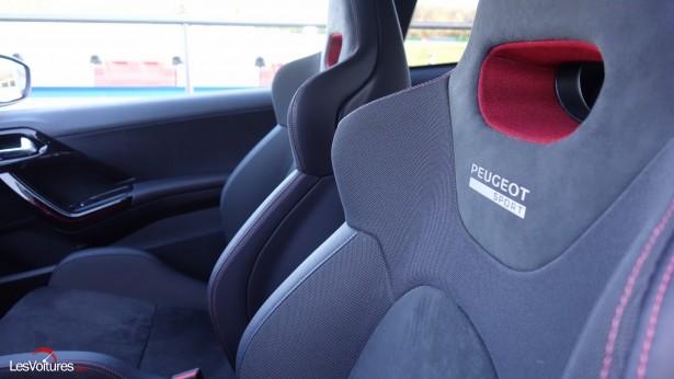 Peugeot-208-GTi-30th-25