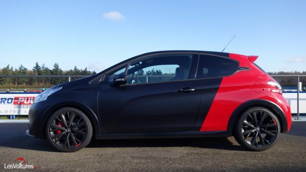 Peugeot-208-GTi-30th-3