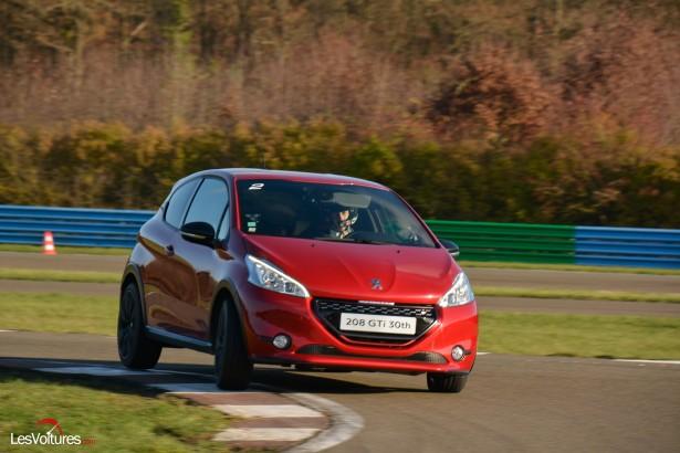 Peugeot-208-GTi-30th-30