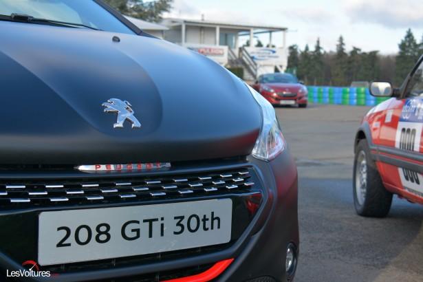Peugeot-208-GTi-30th-32