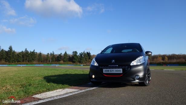 Peugeot-208-GTi-30th-7