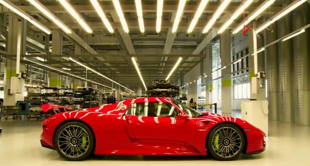 Porsche-918-Spyder-video-Assembly-Lane