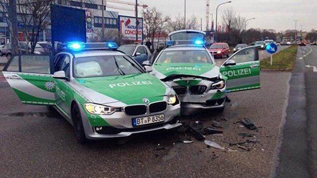 Police: accident insolite entre 2 BMW en Allemagne