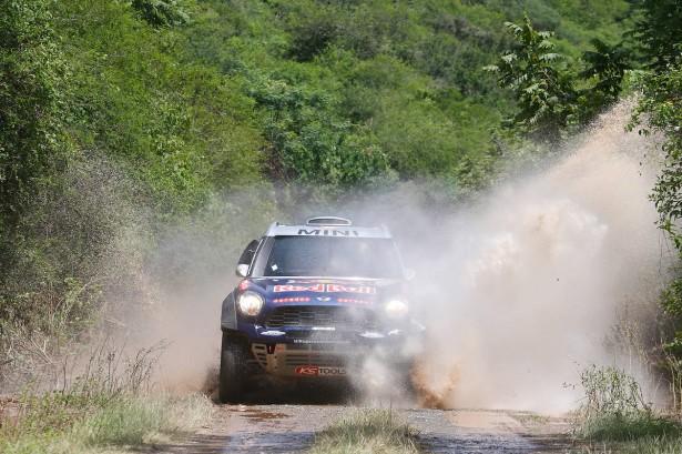 Al-Attiyah-MINI-Dakar-2015-11