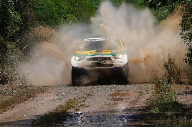 Carlos-Sousa-Mitsubishi-Pajero-Dakar-2015-11