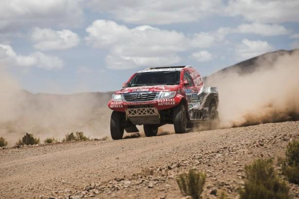 Dakar-2015-Giniel-de-Villiers-Toyota-Hilux-2
