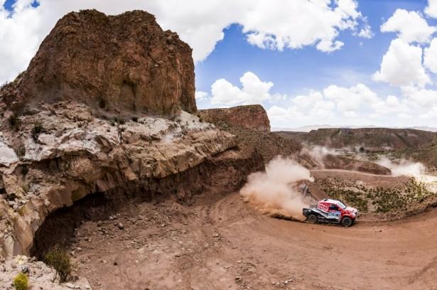 Dakar-2015-Giniel-de-Villiers-Toyota-Hilux