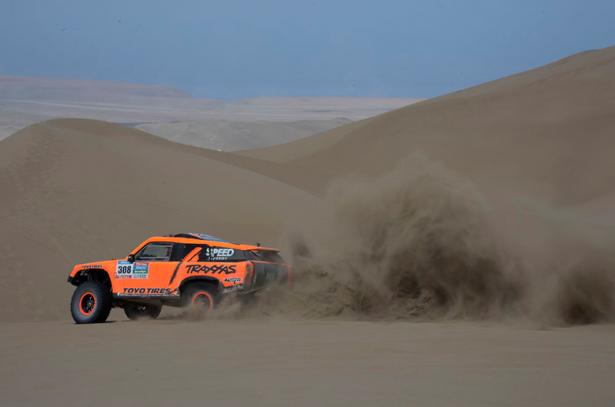 Dakar-2015-Robby-Gordon-HST-Gordini-9