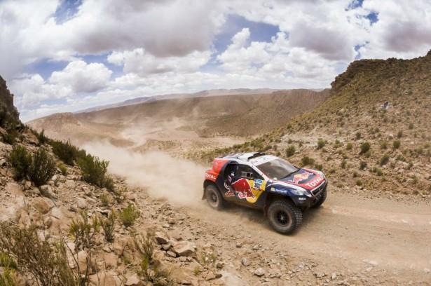 Dakar-2015-Stéphane-Peterhansel-Peugeot-2008-DKR
