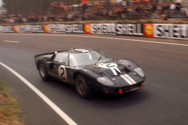 Ford-GT-40-2-LM-1966