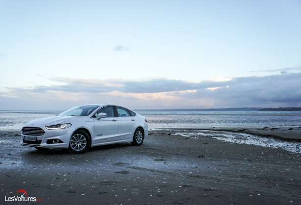 Ford Mondeo Hybrid : la conduite écologique électrise la Bretagne !