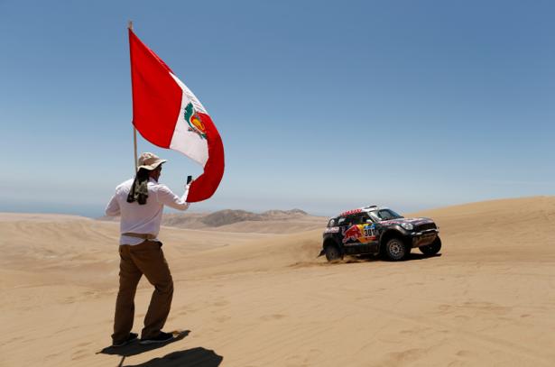 Nasser-Al-Attiyah-MINI-Dakar-2015-6-3