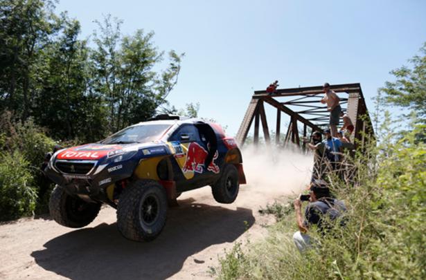 Peugeot-2008-DKR-Dakar-2015-Peterhansel