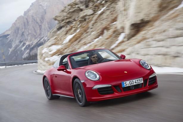 Porsche-911-Targa-4-GTS-NAIAS-2015-Detroit-2