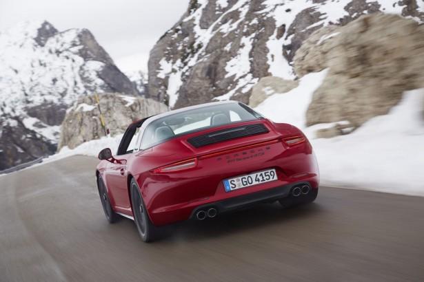 Porsche-911-Targa-4-GTS-NAIAS-2015-Detroit-5